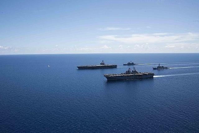 Nhóm tác chiến tàu sân bay, tàu đổ bộ Mỹ tập trận đạn thật tại Biển Đông - 5