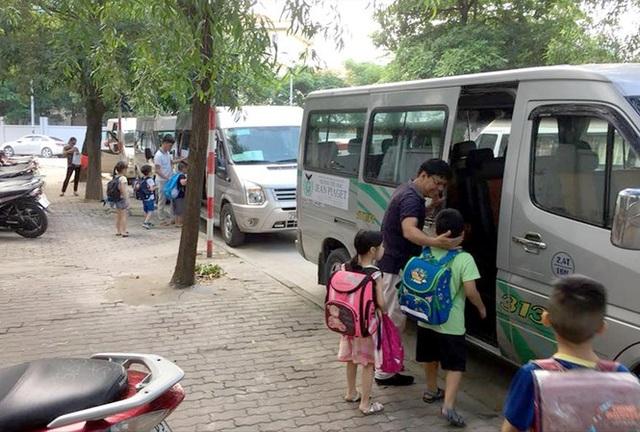 Đề nghị Bộ Giao thông vận tải quy định tiêu chuẩn xe ô tô đưa đón học sinh - 1