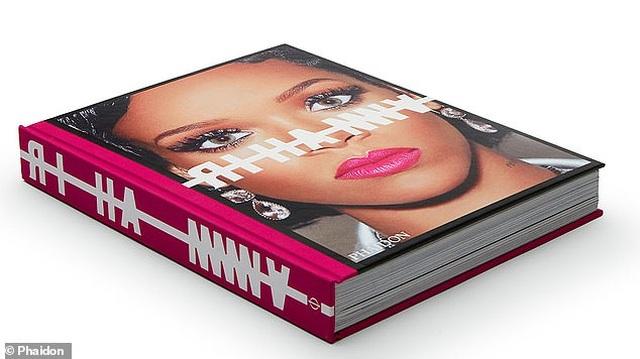 """Sách ảnh 2,5 tỷ đồng của Rihanna bán hết trong """"một nốt nhạc"""" - 13"""