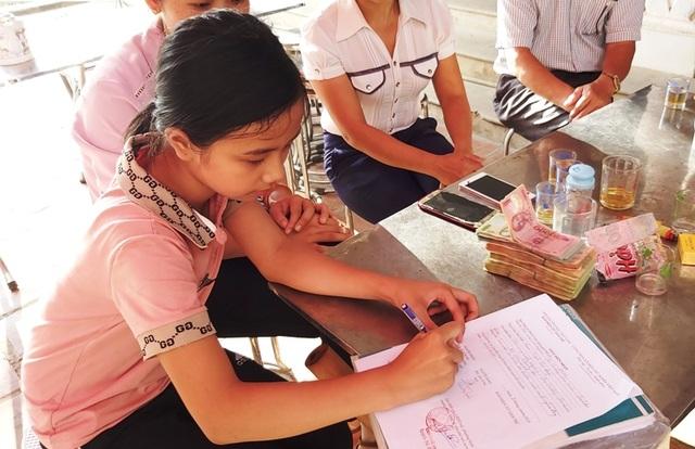 Bạn đọc Dân trí giúp đỡ chị em bé mồ côi hơn 83 triệu đồng - 2