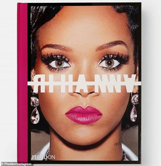 """Sách ảnh 2,5 tỷ đồng của Rihanna bán hết trong """"một nốt nhạc"""" - 3"""