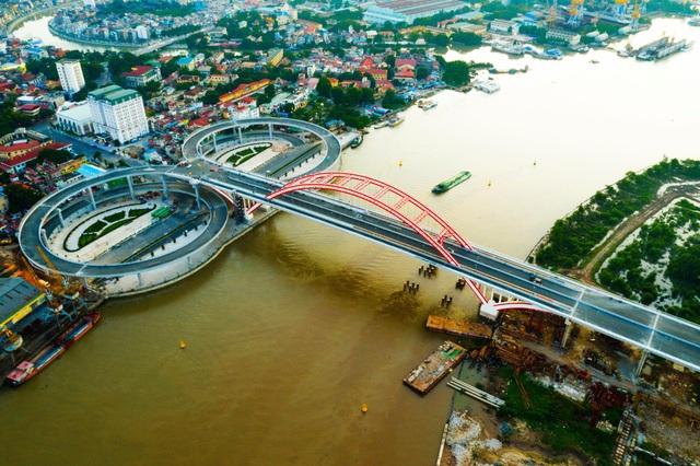 Chuẩn bị thông xe cây cầu hơn 2.000 tỷ đồng có kiểu dáng độc và lạ - 1