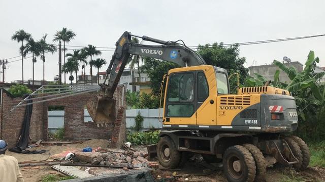 Vụ giang hồ xây tường, dựng lán chiếm đất: Cưỡng chế tháo dỡ - 2