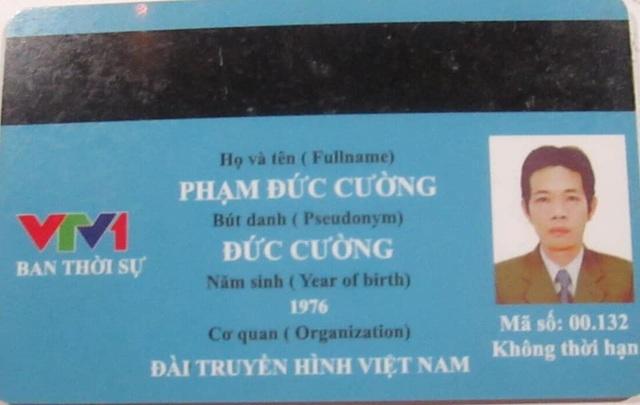Hà Nội: Người đàn ông giả danh phóng viên thời sự VTV1 để xin lỗi vi phạm giao thông - 1