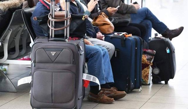 Hành khách làm đúng quy định để cái cân của hãng hàng không sẽ không có việc làm - 1