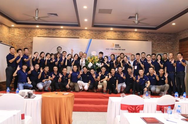 Học viện CEO Việt Nam tổ chức lễ tri ân học viên nhân ngày Doanh nhân Việt Nam - 2