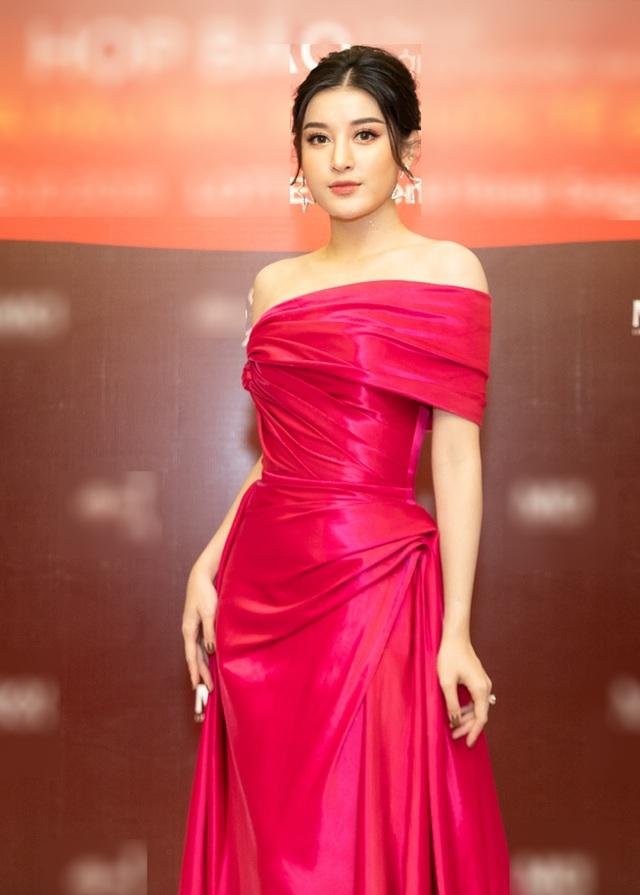 """""""Bà bầu"""" Lan Khuê khoe dáng cùng Á hậu Huyền My - 8"""