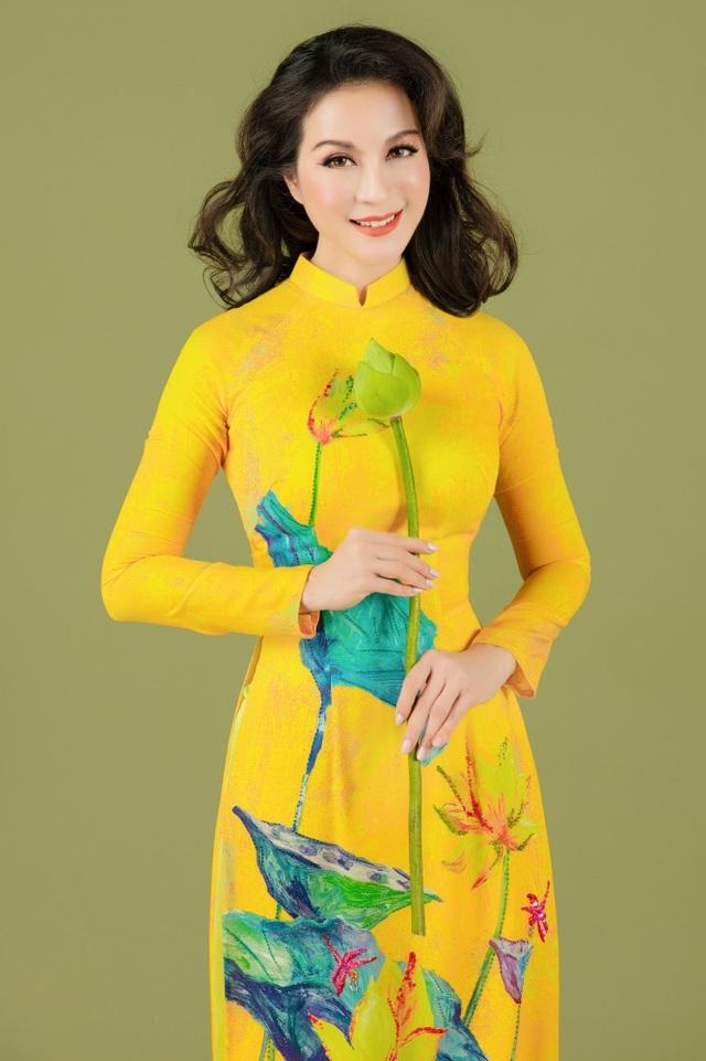 MC Thanh Mai nhớ thuở nghèo khổ mở hàng nước kiếm từng đồng phụ gia đình - 3