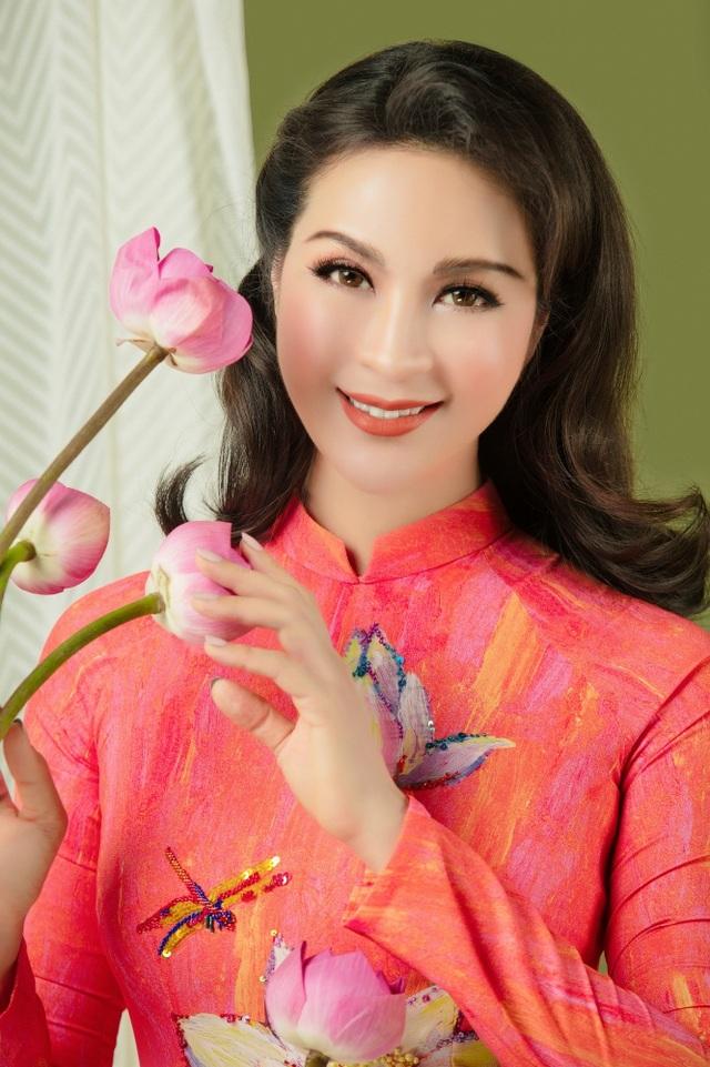 MC Thanh Mai nhớ thuở nghèo khổ mở hàng nước kiếm từng đồng phụ gia đình - 1