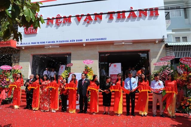 Nệm Vạn Thành khai trương Chi nhánh Kiên Giang - 1