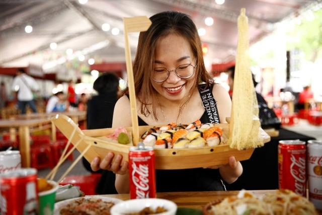 Lễ hội Ẩm thực Coca-Cola thu hút giới trẻ tại Vinh - 8