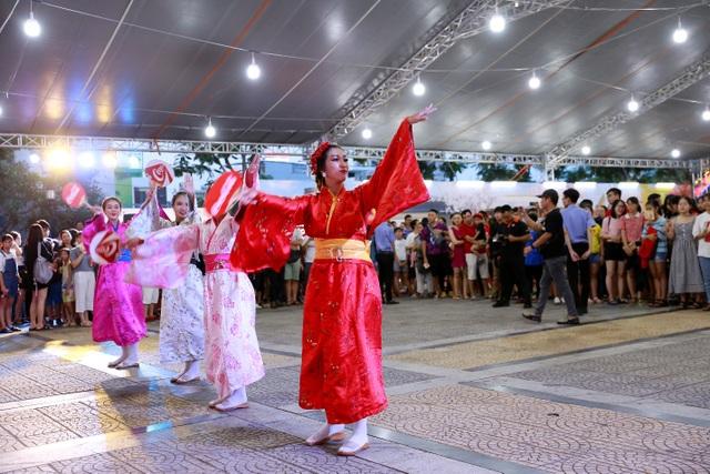 Lễ hội Ẩm thực Coca-Cola thu hút giới trẻ tại Vinh - 10