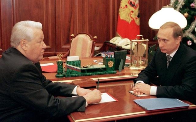 """Putin """"đổi dòng"""" vào thập niên 1990 và biến cố đánh bom chung cư Nga - 1"""