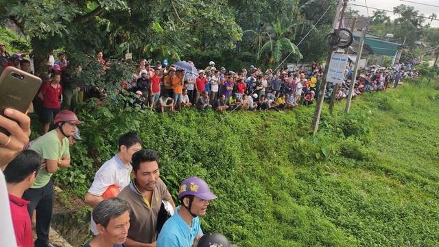 Xe khách lao xuống ruộng, 1 người tử vong, hàng chục người bị thương - 6