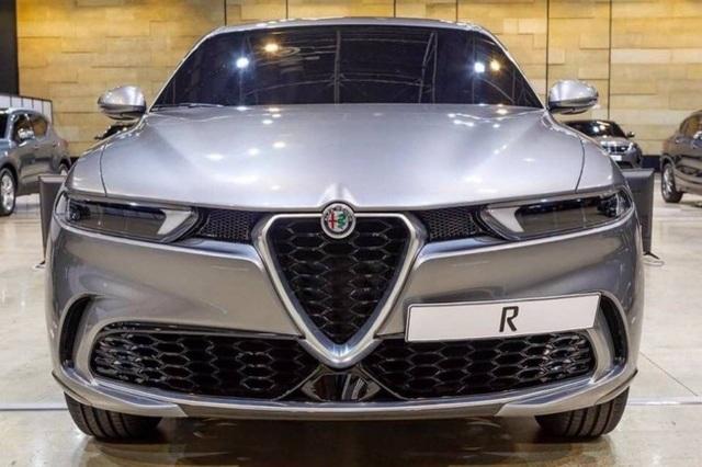 Lộ diện tân binh Alfa Romeo Tonale - Nhân tố mới trên thị trường SUV cỡ nhỏ - 2