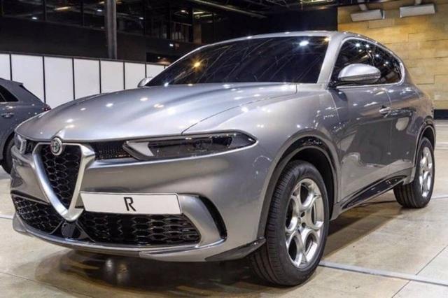 Lộ diện tân binh Alfa Romeo Tonale - Nhân tố mới trên thị trường SUV cỡ nhỏ - 1