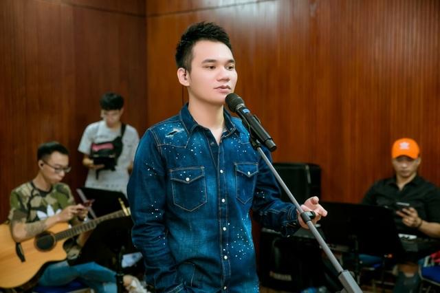 Hồ Hoài Anh xuất hiện mệt mỏi sau ồn ào ly hôn Lưu Hương Giang - 7