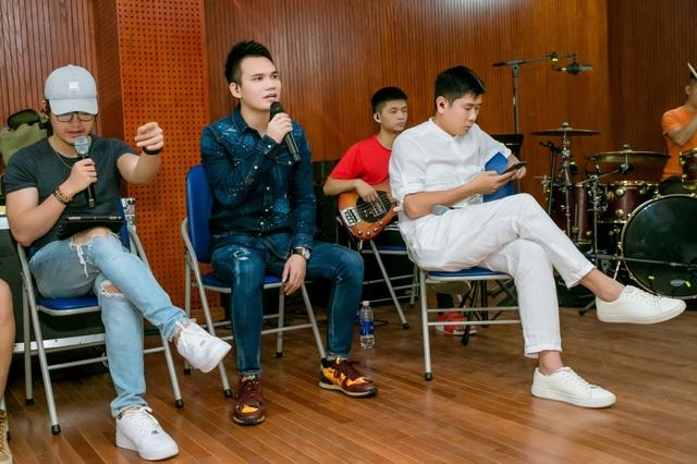 Hồ Hoài Anh xuất hiện mệt mỏi sau ồn ào ly hôn Lưu Hương Giang - 5