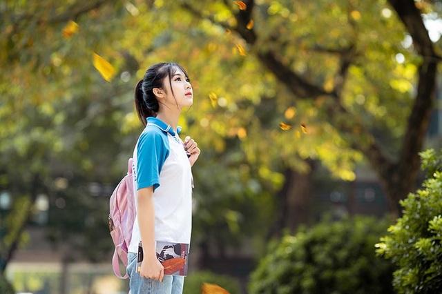 """Cô gái bỗng """"nổi như cồn"""" với bức ảnh mặc đồng phục ĐH Bách khoa - 5"""