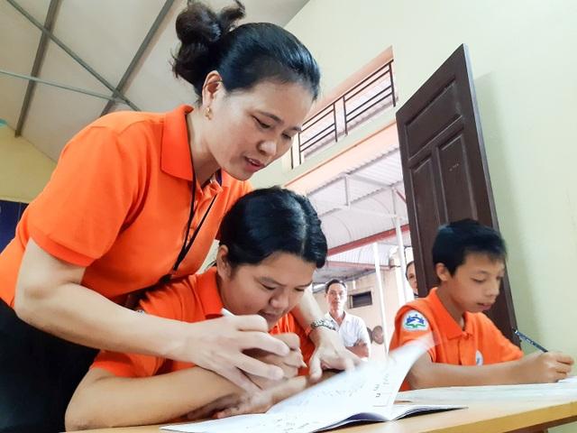 Cô giáo Hòa và lớp học đặc biệt giữa lòng Hà Nội - 1