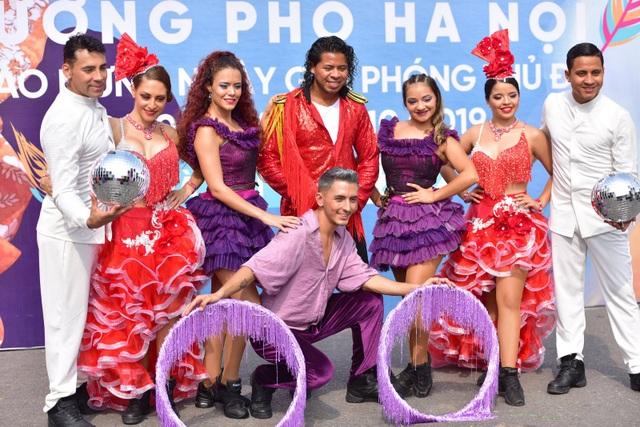 Carnival đường phố, nhạc giao hưởng trên phố đi bộ và sức mạnh xã hội hóa - 4