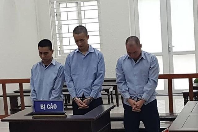 Hai bé gái 15 tuổi bị giam lỏng để mua vui cho đàn ông ở Hà Nội - 1