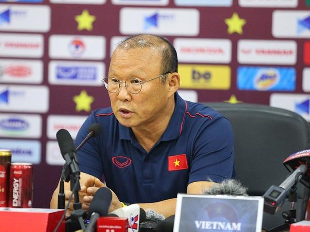 """HLV Park Hang Seo """"tán dương"""" tuyển Malaysia, người hâm mộ càng... yên tâm - 1"""