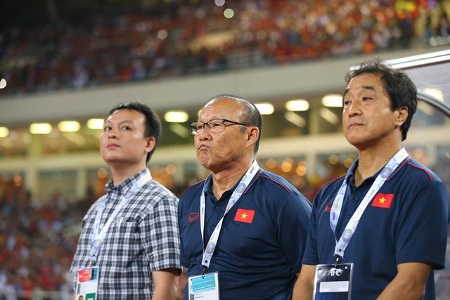 Việt Nam 1-0 Malaysia: Quang Hải ghi bàn đẳng cấp - 21
