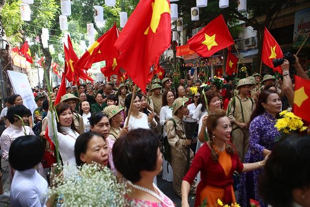 Hoạt cảnh chân thực về cuộc chiến đấu 60 ngày đêm trên đường phố Hà Nội - 12