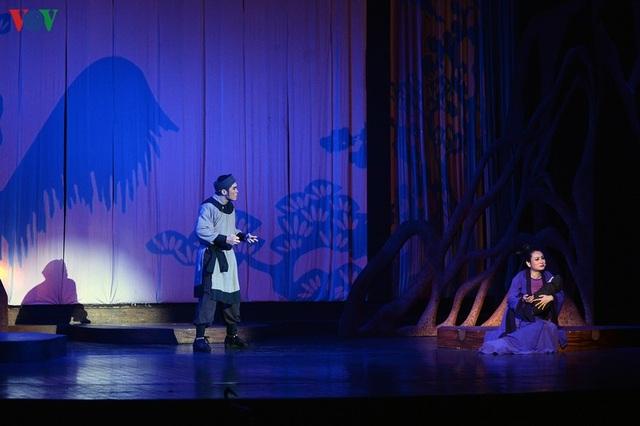 """Nhà hát Lớn Hà Nội chật kín khán giả xem """"Ngàn năm mây trắng"""" - 16"""