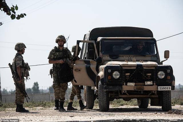 Thổ Nhĩ Kỳ rầm rập tiến công vào Syria, chiến sự nóng lên - 20
