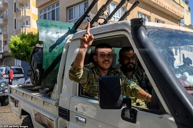 Thổ Nhĩ Kỳ rầm rập tiến công vào Syria, chiến sự nóng lên - 16