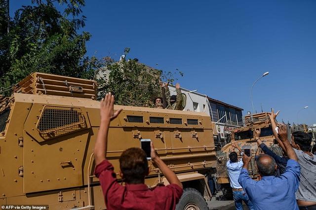 Thổ Nhĩ Kỳ rầm rập tiến công vào Syria, chiến sự nóng lên - 17