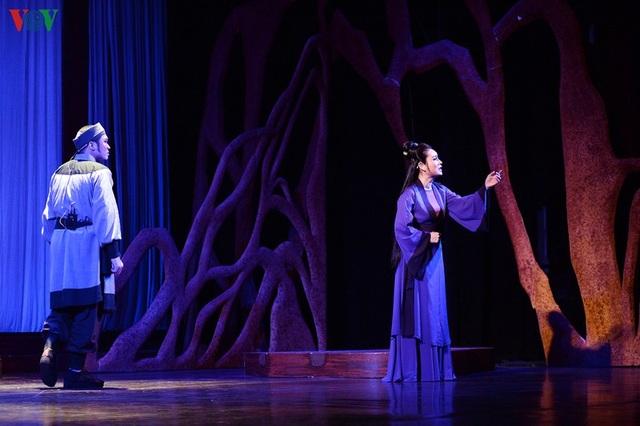 """Nhà hát Lớn Hà Nội chật kín khán giả xem """"Ngàn năm mây trắng"""" - 2"""