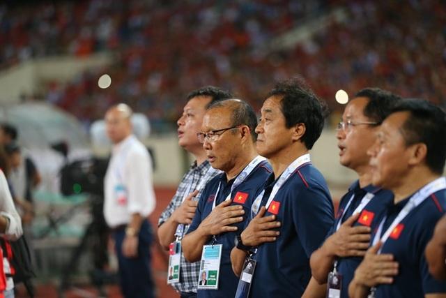 Việt Nam 1-0 Malaysia: Quang Hải ghi bàn đẳng cấp - 20