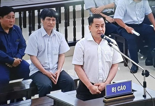 Cán bộ tỉnh Cao Bằng nhận quà tặng là ô tô trị giá 3,72 tỷ đồng (!) - 2
