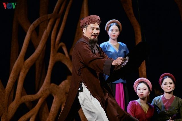 """Nhà hát Lớn Hà Nội chật kín khán giả xem """"Ngàn năm mây trắng"""" - 3"""