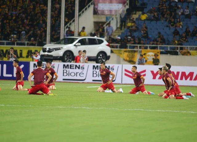 Việt Nam 1-0 Malaysia: Quang Hải ghi bàn đẳng cấp - 31
