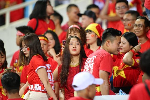 Việt Nam 1-0 Malaysia: Quang Hải ghi bàn đẳng cấp - 33