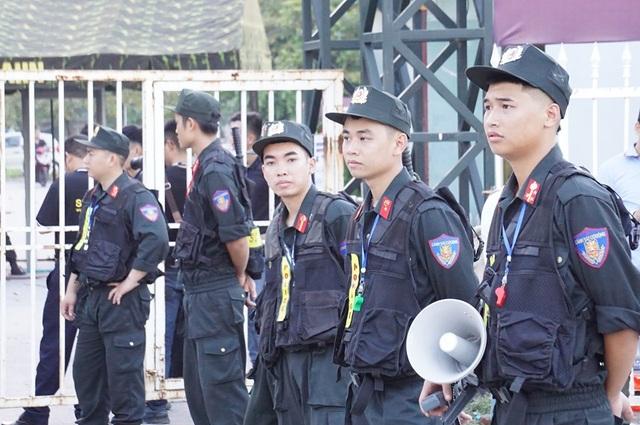 An ninh thắt chặt bảo vệ trận đấu Việt Nam và Malaysia - 9