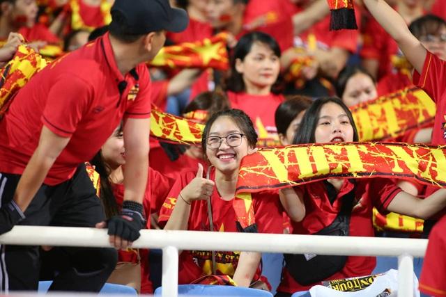 Việt Nam 1-0 Malaysia: Quang Hải ghi bàn đẳng cấp - 34