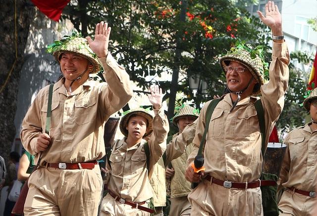 Hoạt cảnh chân thực về cuộc chiến đấu 60 ngày đêm trên đường phố Hà Nội - 9