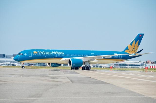 Hàng không quốc gia mở bán 30.000 vé máy bay giá rẻ Hà Nội - TP. HCM - 1