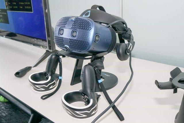 HTC Vive ra mắt thiết bị thực thế ảo Vive Cosmos với giá 25 triệu đồng - 2