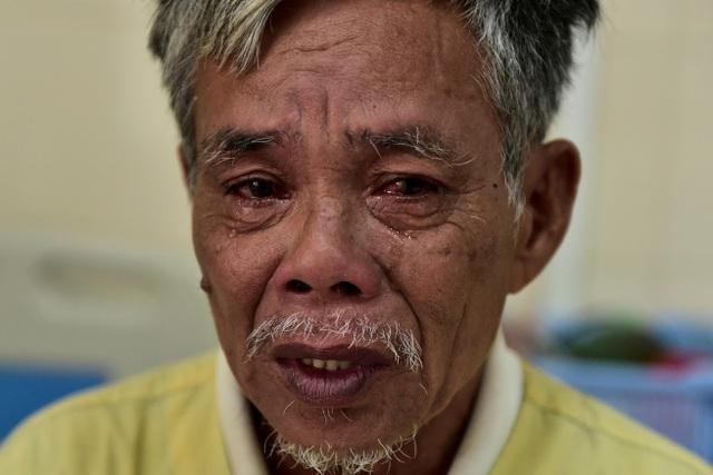 Ông nội bán lúa non chữa bệnh ung thư cho cháu được giúp đỡ gần 2 tỉ đồng - 2