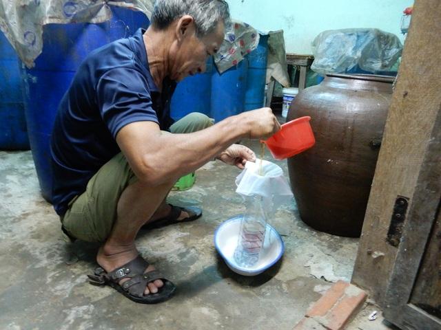 Về Nam Ô xem nghề làm nước mắm truyền thống - 3