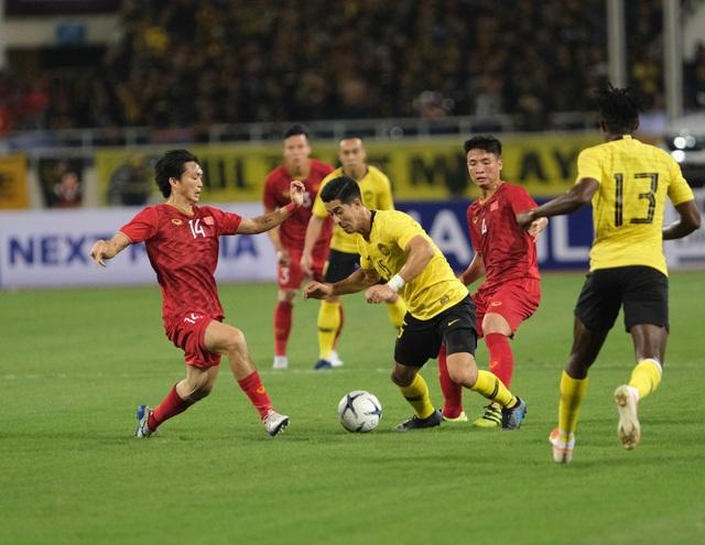 Việt Nam 1-0 Malaysia: Quang Hải ghi bàn đẳng cấp - 6