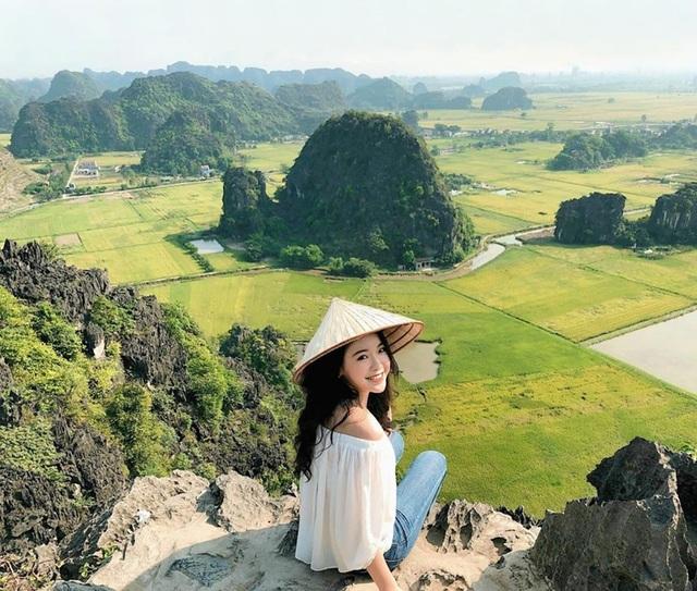 """Hang Múa: Điểm """"check-in"""" trên """"lưng chừng trời"""" đẹp không tưởng ở Ninh Bình! - 3"""