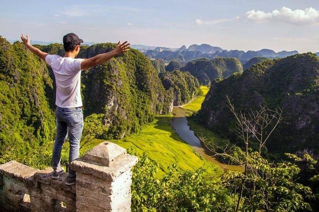 """Hang Múa: Điểm """"check-in"""" trên """"lưng chừng trời"""" đẹp không tưởng ở Ninh Bình! - 20"""