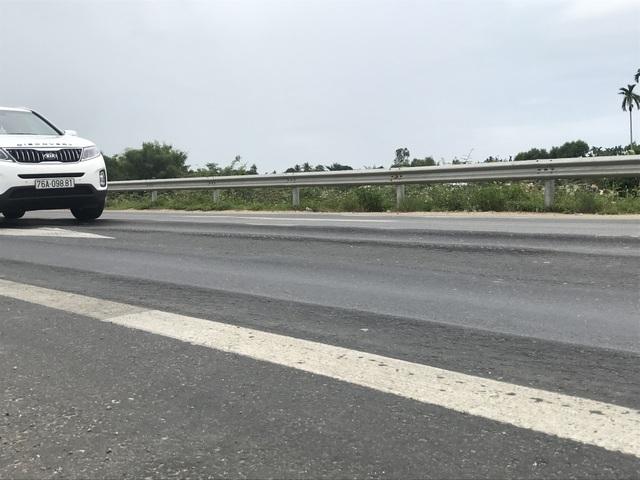 Luống cày trên đường dẫn cao tốc Đà Nẵng - Quảng Ngãi - 5